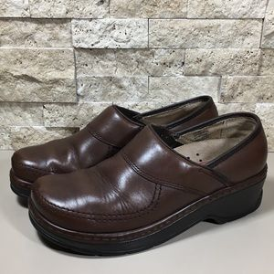 Klogs Shoes Size 8 Leather Brown Clogs